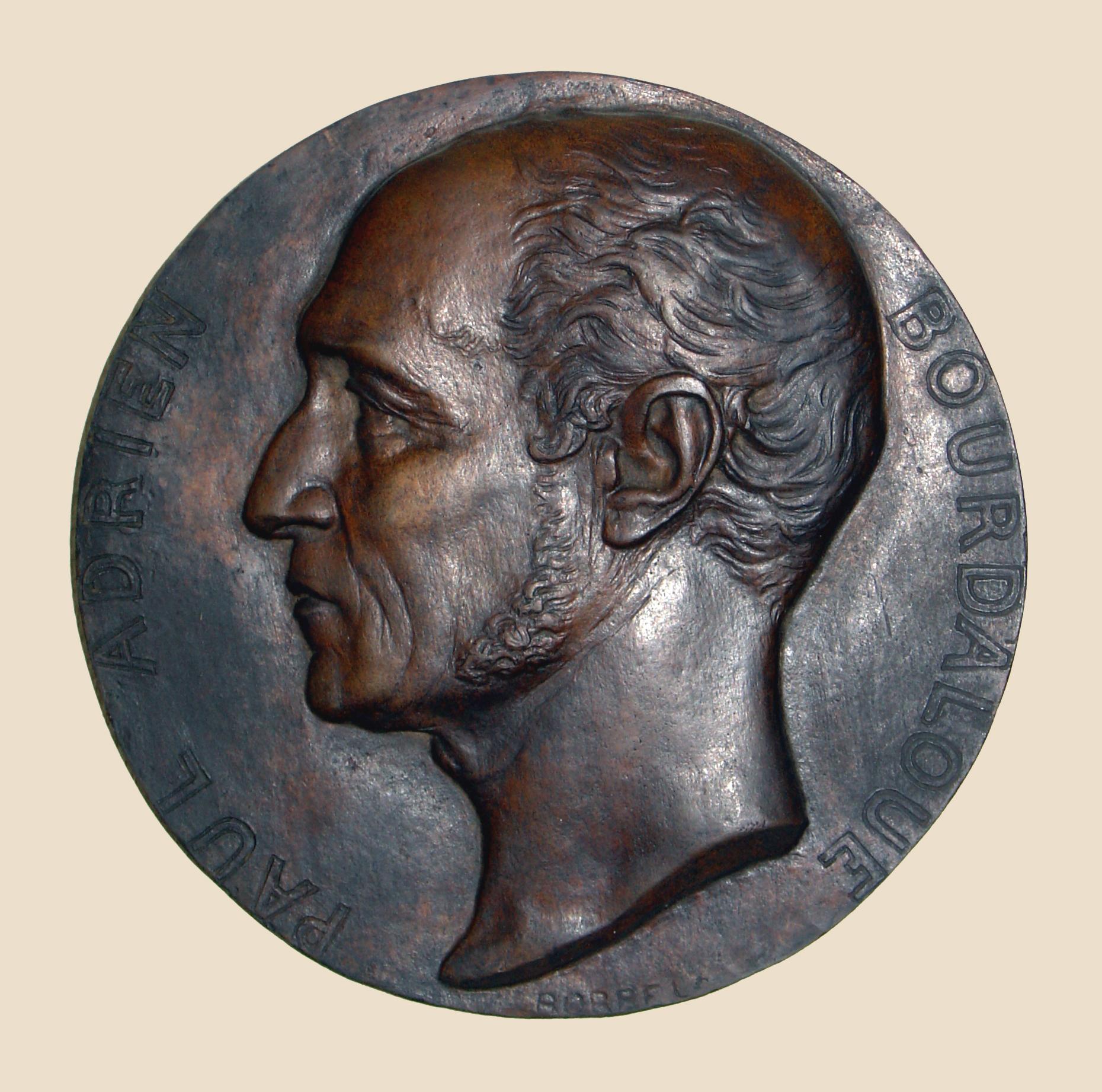 Médaillon représentant Paul Adrien Bourdalouë