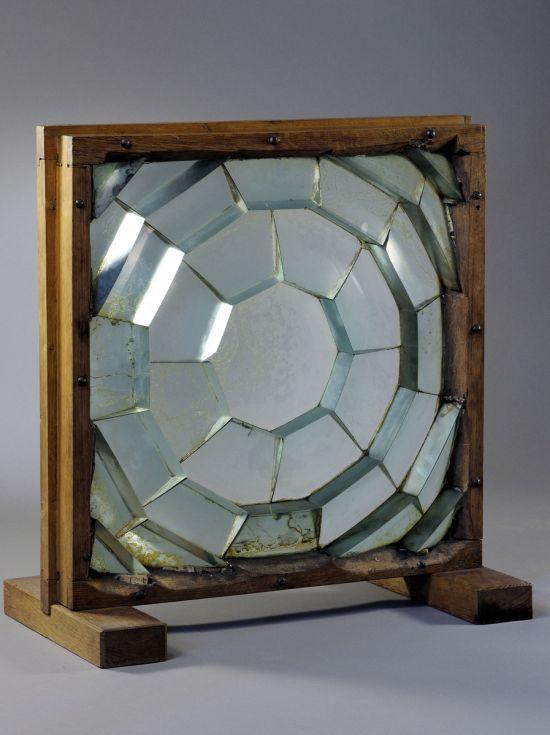 Prototype de lentille à échelon présenté à la Commission des phares le 31 octobre 1820